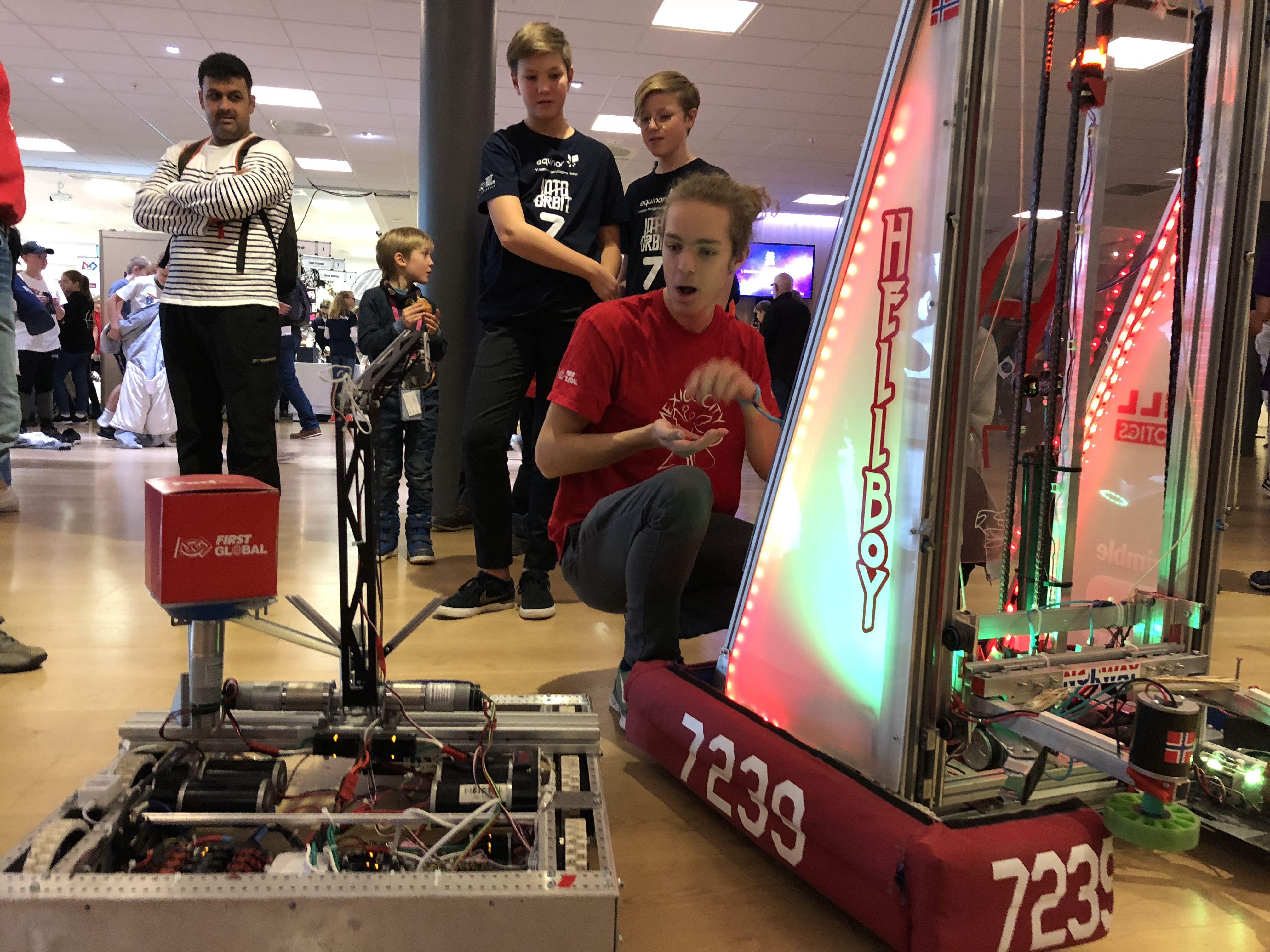 Hell Robotics in Fornebu (FLL)